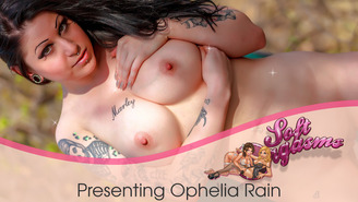 Check out all of Ophelia Rain's currently released photos and videos!